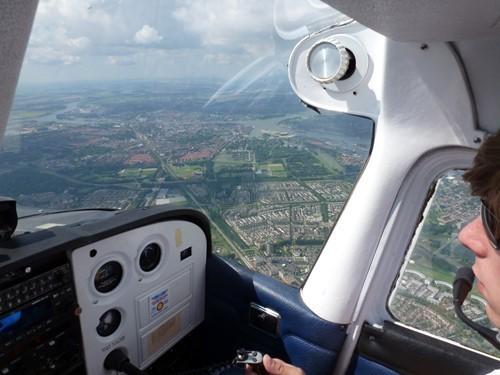 Vliegen in een Cessna